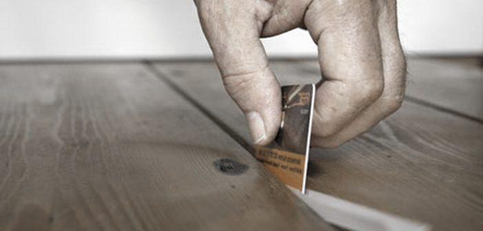 Как устранить хруст плитки на полу